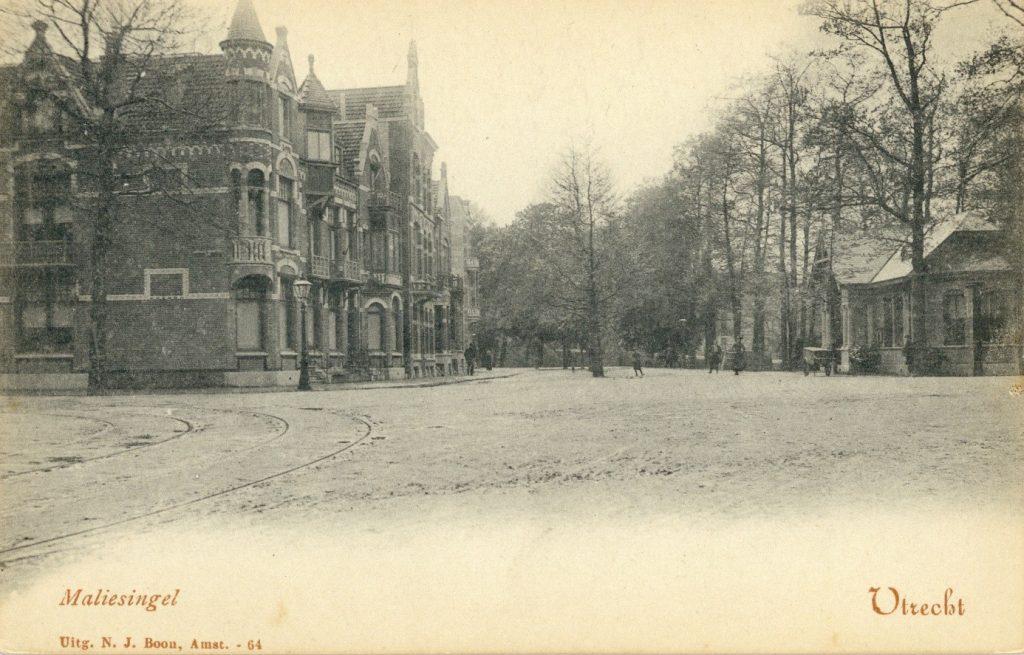 Ansichtkaart van de Maliesingel en de Johan van Oldenbarneveltstraat uit 1895